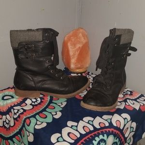 Black combat style boots size 9M